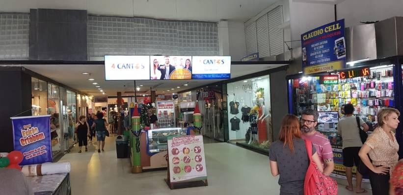 led-indoor-shopping